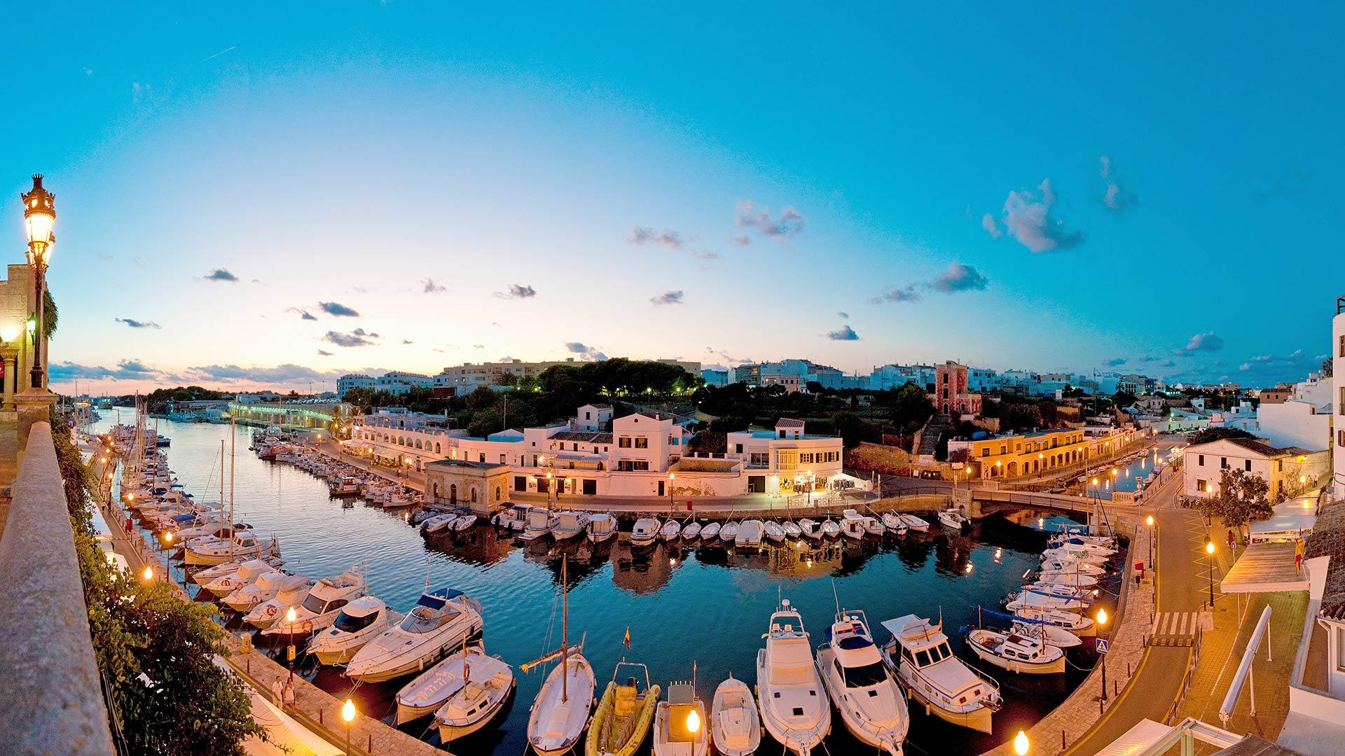 Imagen  Menorca, the island of harbours